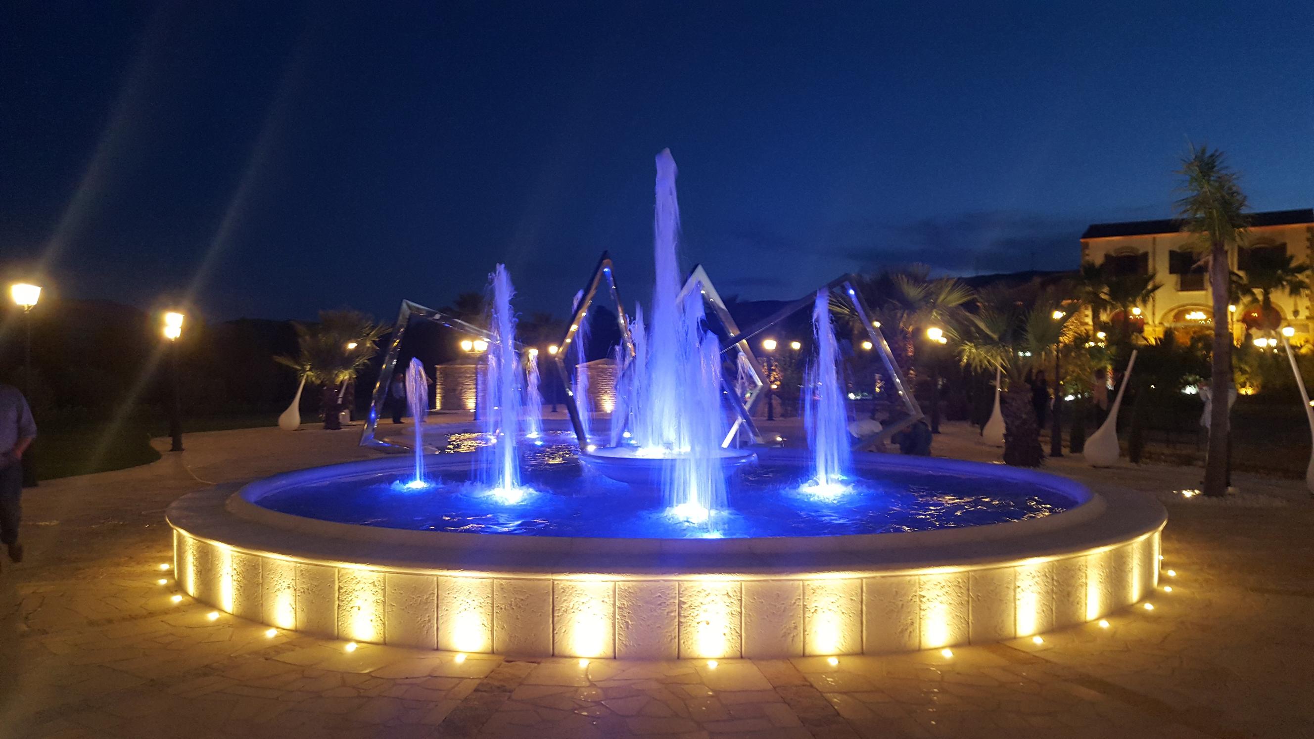 Fari led rgb luci per illuminazione piscine fontane giardini